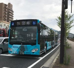 北九州地区の連節バスが増便に向けて教習中